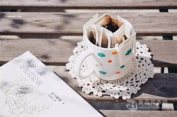 提供炭烧特浓速溶三合一咖啡粉包装机