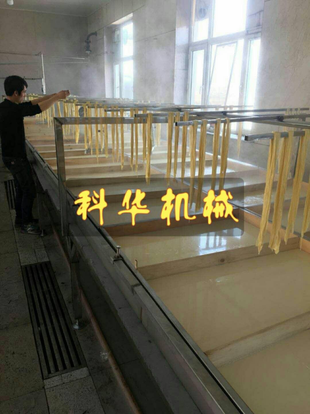 广东半自动手工线腐竹机多少钱一台,各种豆制品加工设备哪里有