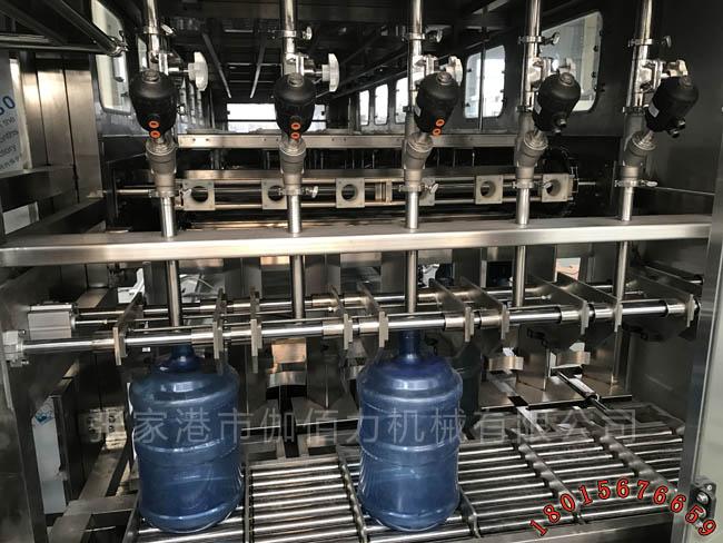 300桶矿泉水生产线 大桶水灌装机 18.9L桶装水加工设备