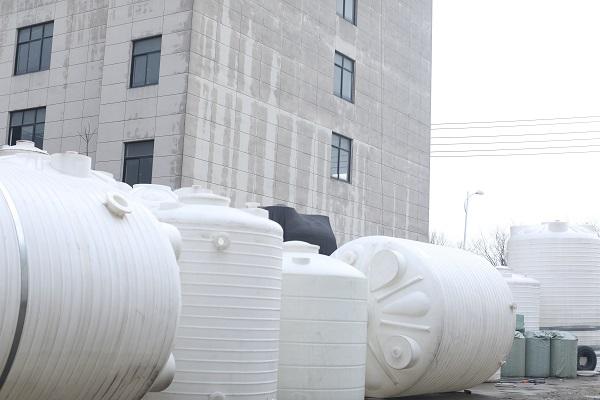 25吨PE水箱检验