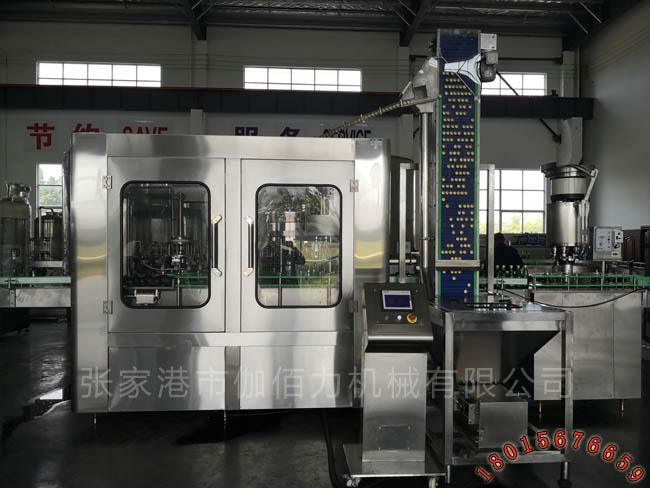 碳酸汽水灌装机 含气饮料生产设备 玻璃瓶饮料生产线