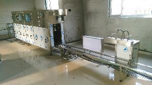100桶全自动大桶水灌装机,桶装水灌装设备