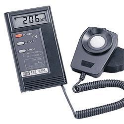 泰仕TES-1330A數字式照度計亮度計