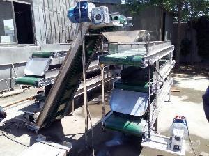 裙边带铝型材输送机耐用 日用化工输送机