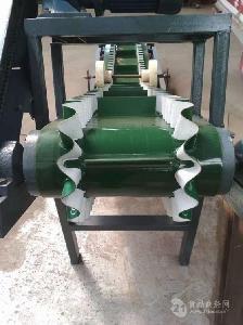上楼送格挡爬坡输送机流水线 化工用输送机