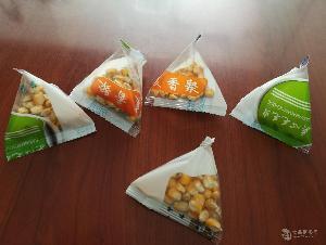 休闲零食三角袋包装机
