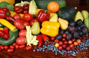 自动翻转水果清洗机    自动翻转水果清洗机