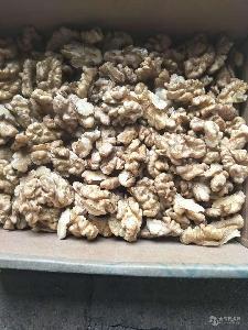 供应干核桃仁  自然晾晒无漂白 产地直销烘焙原料