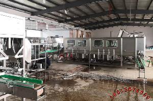 全自动桶装水灌装机 大桶矿泉水生产设备