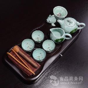 小荷叶手绘青瓷茶具套装