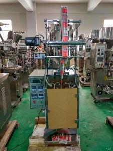 立式小型液体包装机 全自动液体酱料自动包装机设备