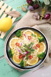 杨林闻老三酸菜鱼加盟热线
