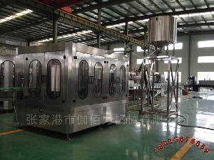 果汁饮料瓶装生产线 果汁饮料三合一灌装设备