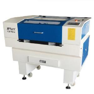 供应60W 100W 200W二氧化碳非金属激光切割机