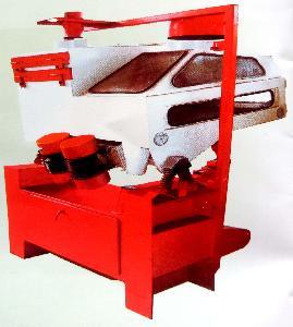 南阳光辉机械厂生产的TQLS三组合清粮机